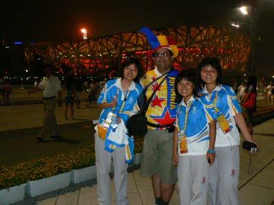 26. cu voluntari chinezi